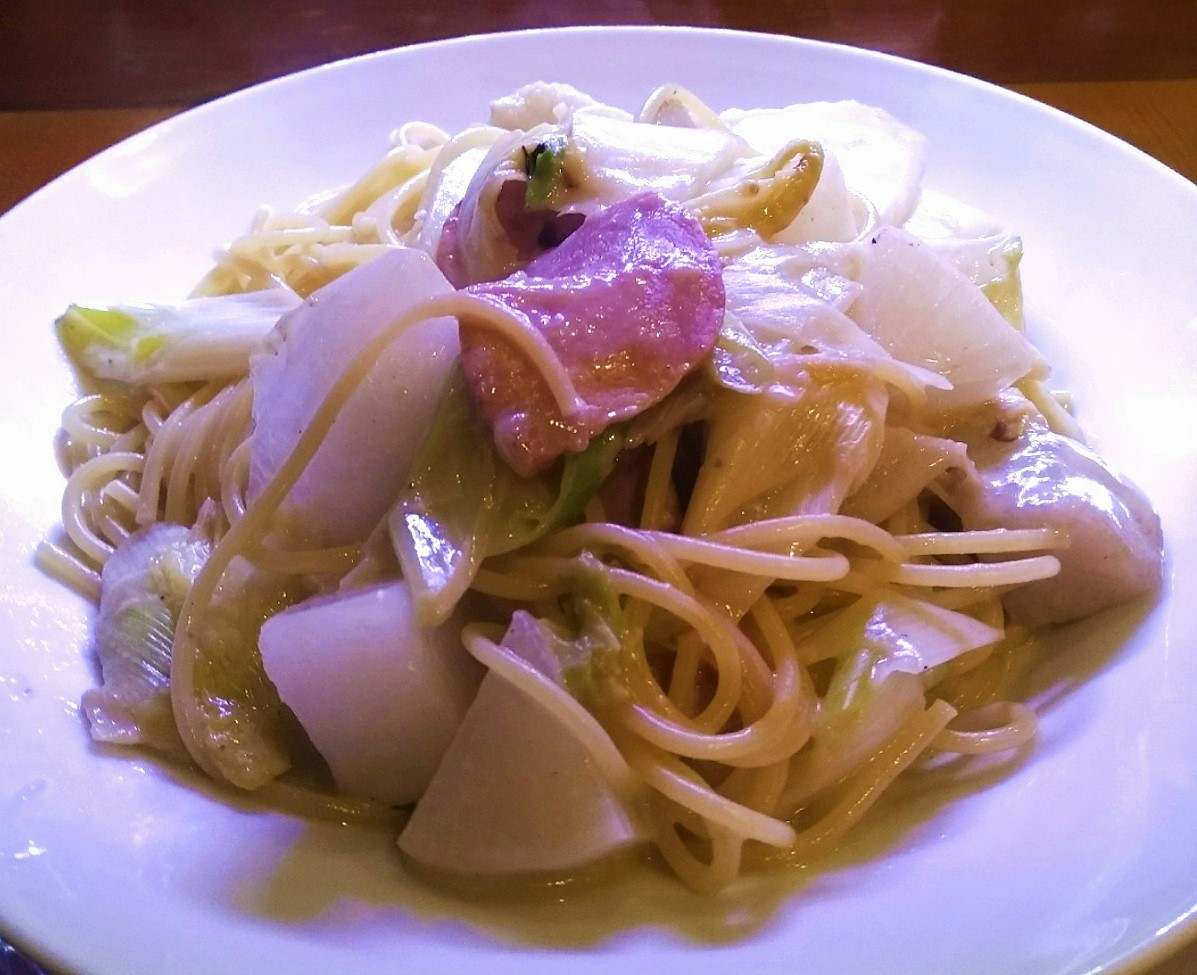 冬野菜とベーコンの豆乳スープパスタ